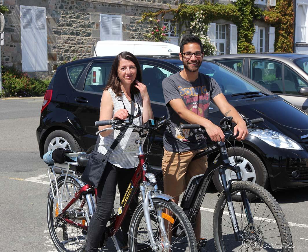 Les Breizhblogueuses font du vélo à Pléneuf-Val André.