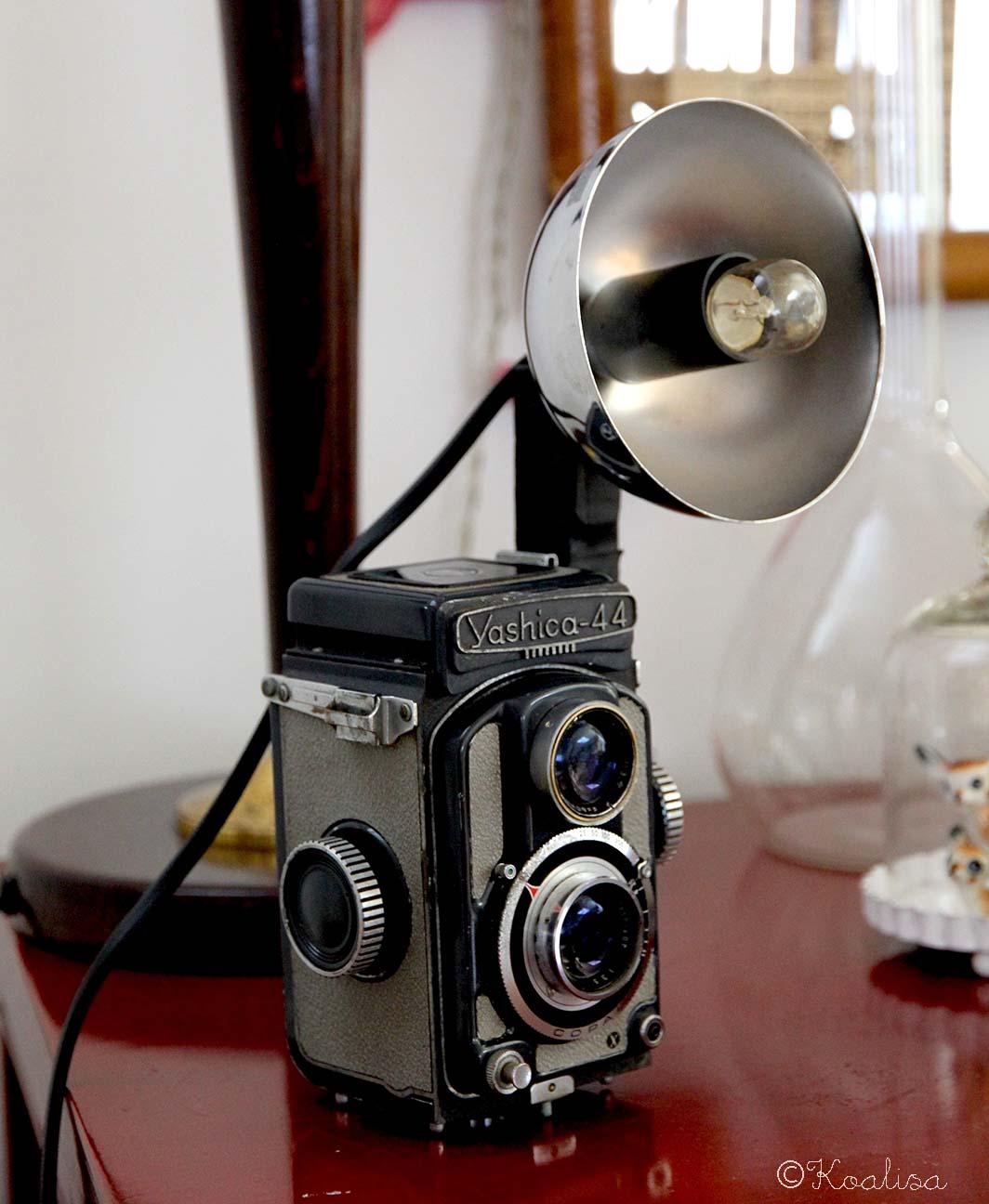 diy faire une lampe avec un appareil photo vintage. Black Bedroom Furniture Sets. Home Design Ideas